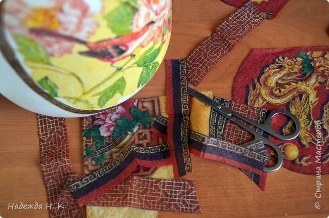 Декор предметов Мастер-класс Декупаж Кракелюр Китайская ваза из трехлитровой банки Банки стеклянные Краска Салфетки Скорлупа яичная фото 11