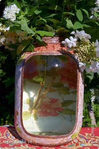 Декор предметов Мастер-класс Декупаж Кракелюр Китайская ваза из трехлитровой банки Банки стеклянные Краска Салфетки Скорлупа яичная фото 4