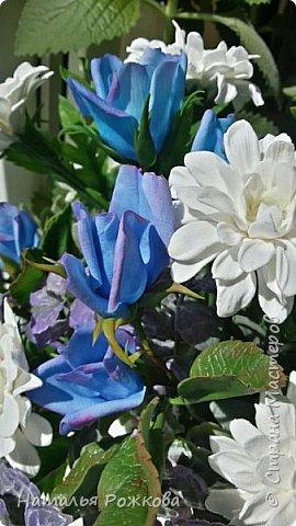 Мастер-класс Лепка Моя небольшая композиция хризантемы и розы А также мк по хризантемам и описание цвета синих роз проблема та еще  Фарфор холодный фото 2