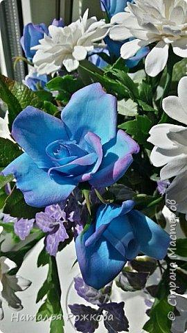 Мастер-класс Лепка Моя небольшая композиция хризантемы и розы А также мк по хризантемам и описание цвета синих роз проблема та еще  Фарфор холодный фото 5