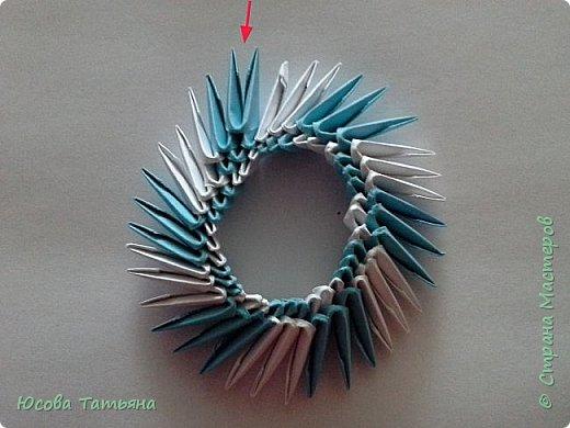 Так как я не нашла такую сборку по спирали, постараюсь описать более подробно на простой поделке. фото 17
