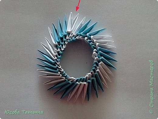 Так как я не нашла такую сборку по спирали, постараюсь описать более подробно на простой поделке. фото 19