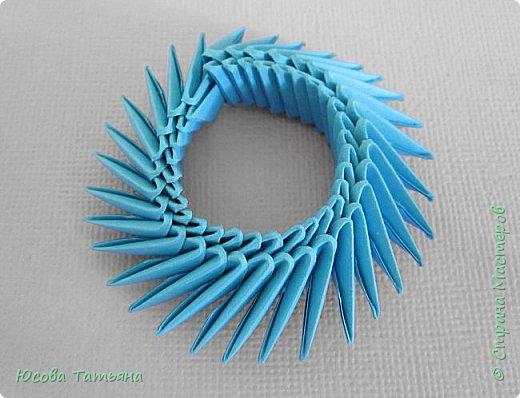 """Основу сервиза собирала по спирали (подробный способ сборки """"спираль"""" я описала в этом МК http://stranamasterov.ru/node/938113, а крышки, блюдце, ручки и ложку - в обычной технике модульного оригами. фото 52"""