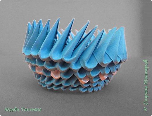 """Основу сервиза собирала по спирали (подробный способ сборки """"спираль"""" я описала в этом МК https://stranamasterov.ru/node/938113, а крышки, блюдце,  ручки и ложку - в обычной технике модульного оригами. фото 55"""