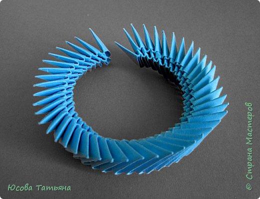 """Основу сервиза собирала по спирали (подробный способ сборки """"спираль"""" я описала в этом МК http://stranamasterov.ru/node/938113, а крышки, блюдце, ручки и ложку - в обычной технике модульного оригами. фото 32"""