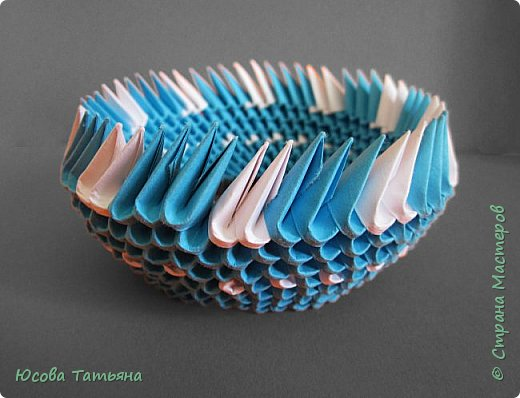 """Основу сервиза собирала по спирали (подробный способ сборки """"спираль"""" я описала в этом МК https://stranamasterov.ru/node/938113, а крышки, блюдце,  ручки и ложку - в обычной технике модульного оригами. фото 38"""