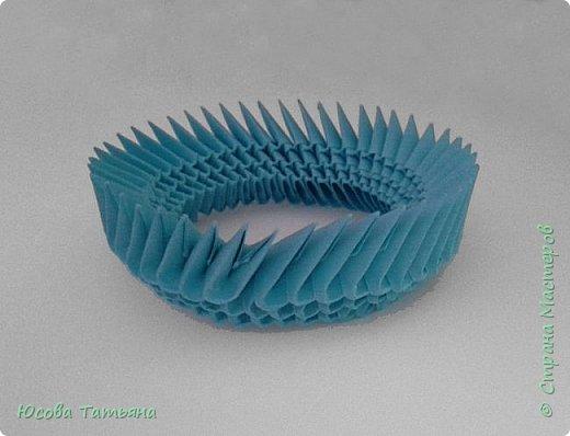 """Основу сервиза собирала по спирали (подробный способ сборки """"спираль"""" я описала в этом МК http://stranamasterov.ru/node/938113, а крышки, блюдце, ручки и ложку - в обычной технике модульного оригами. фото 7"""