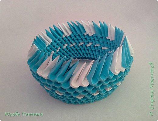 """Основу сервиза собирала по спирали (подробный способ сборки """"спираль"""" я описала в этом МК https://stranamasterov.ru/node/938113, а крышки, блюдце,  ручки и ложку - в обычной технике модульного оригами. фото 11"""