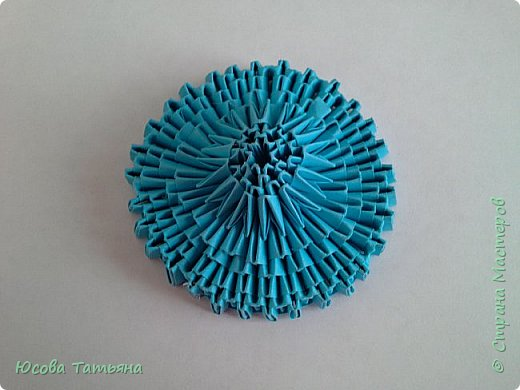 """Основу сервиза собирала по спирали (подробный способ сборки """"спираль"""" я описала в этом МК http://stranamasterov.ru/node/938113, а крышки, блюдце, ручки и ложку - в обычной технике модульного оригами. фото 29"""
