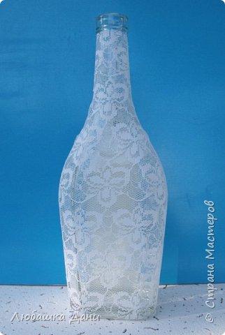 Декор предметов Мастер-класс Роспись Декор посуды с помощью гипюра Бутылки стеклянные Краска Ткань фото 3