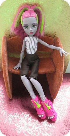 Всем привет!  Не так давно я прилетела из солнечной Турции, а со мной Марисоль!  Очаровательная куколка, с просто огромным размером ноги, из обуви ей наверно подойдет только хенд мейд...  фото 3
