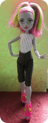 Всем привет!  Не так давно я прилетела из солнечной Турции, а со мной Марисоль!  Очаровательная куколка, с просто огромным размером ноги, из обуви ей наверно подойдет только хенд мейд...  фото 4