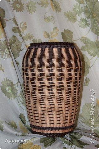 Поделка изделие Плетение Ваза под цветы и МК дна Трубочки бумажные фото 1