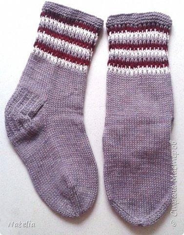 Доброго всем времени суток. Представляю носочки и рукавички связанные в технике жаккард. Рукавички связаны спицами 2,25 нитки шерсть 300м/100г фото 22