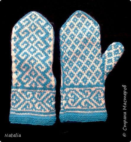 Доброго всем времени суток. Представляю носочки и рукавички связанные в технике жаккард. Рукавички связаны спицами 2,25 нитки шерсть 300м/100г фото 30