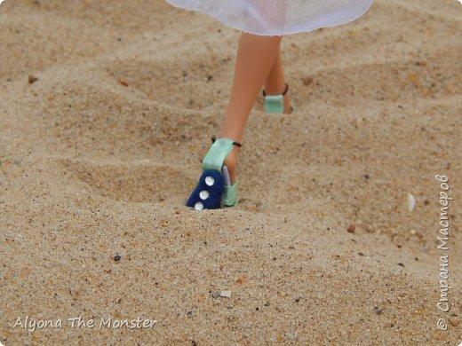 Наконец наступили теплые деньки. Хоулин не долго думая пулей побежала на пляж. И меня с собой прихватила. Как вы думаете, что она стала делать в первую очередь? Разумеется, загорать! фото 11
