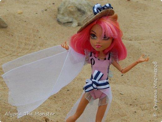 Наконец наступили теплые деньки. Хоулин не долго думая пулей побежала на пляж. И меня с собой прихватила. Как вы думаете, что она стала делать в первую очередь? Разумеется, загорать! фото 10