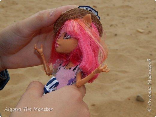 Наконец наступили теплые деньки. Хоулин не долго думая пулей побежала на пляж. И меня с собой прихватила. Как вы думаете, что она стала делать в первую очередь? Разумеется, загорать! фото 17