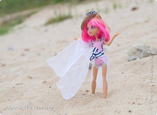 Наконец наступили теплые деньки. Хоулин не долго думая пулей побежала на пляж. И меня с собой прихватила. Как вы думаете, что она стала делать в первую очередь? Разумеется, загорать! фото 13
