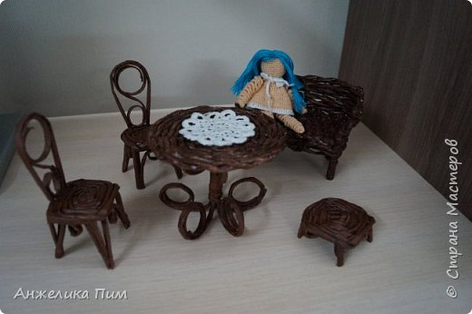 Диванчик, стульчики и пуфик. фото 1