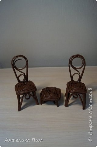Диванчик, стульчики и пуфик. фото 2