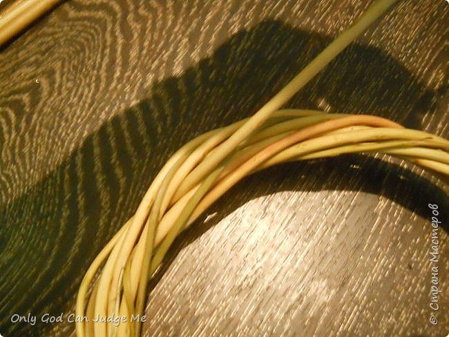 Добрый день, всем мастерам и гостям сайта! Вчера меня попросили поделиться МК по плетению интерьерных веночков. И, так как, сегодня я занималась именно их плетением, то и сделала небольшой МК. фото 16