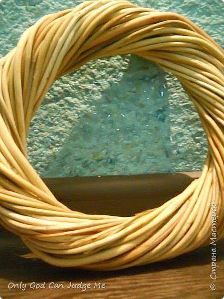 Добрый день, всем мастерам и гостям сайта! Вчера меня попросили поделиться МК по плетению интерьерных веночков. И, так как, сегодня я занималась именно их плетением, то и сделала небольшой МК. фото 30