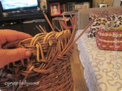 И снова, здравствуйте! Это мое  второе  кашпо. Здесь  я  училась  ситцевому  плетению : перед  2, за 1  и.т.д.. Это  плетение  мне очень понравилось. И я влюбилась в цвет  МОККО. Здесь  я  его не  разбавляла  водой. Получается  как  будто из настоящий  веточек. Попробую  разбавить, интересно, как  получится. фото 9