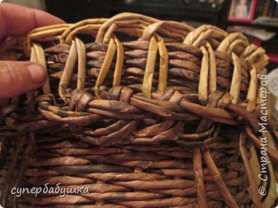 И снова, здравствуйте! Это мое  второе  кашпо. Здесь  я  училась  ситцевому  плетению : перед  2, за 1  и.т.д.. Это  плетение  мне очень понравилось. И я влюбилась в цвет  МОККО. Здесь  я  его не  разбавляла  водой. Получается  как  будто из настоящий  веточек. Попробую  разбавить, интересно, как  получится. фото 13