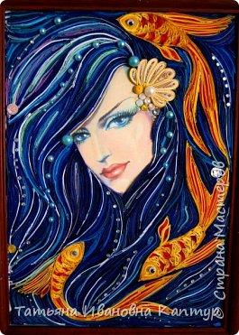 На простора интернета увидела роспись Екатерины Захваткиной. Очень захотелось сделать квиллингом. Вот что получилось. Название само пришло.