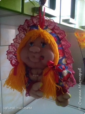 Здравствуйте дорогие мастерицы, вот сотварилась ещё одна кукла, пока учусь и хочется , что бы получалось не хуже чем у вас...