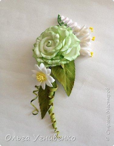 Приветствую всех жителей и гостей прекрасной СТРАНЫ МАСТЕРОВ!!  Предлагаю Вашему вниманию мой небольшой МК по изготовлению розы из фоамирана.  Изрезав не один лист фома, хочу поделиться своими особенностями работы с этим увлекательным материалом. фото 21