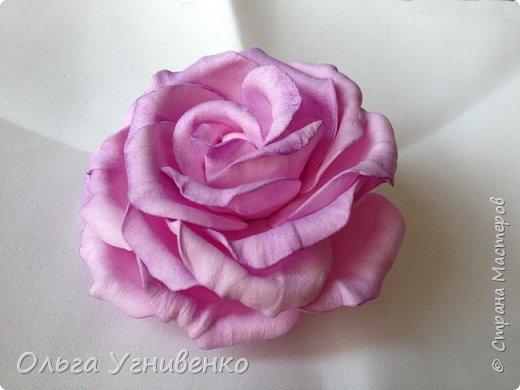Приветствую всех жителей и гостей прекрасной СТРАНЫ МАСТЕРОВ!!  Предлагаю Вашему вниманию мой небольшой МК по изготовлению розы из фоамирана.  Изрезав не один лист фома, хочу поделиться своими особенностями работы с этим увлекательным материалом. фото 22