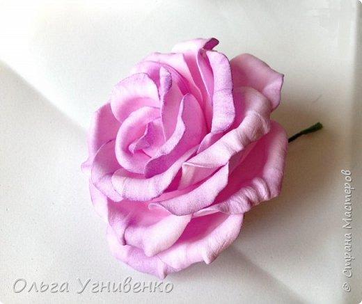 Приветствую всех жителей и гостей прекрасной СТРАНЫ МАСТЕРОВ!!  Предлагаю Вашему вниманию мой небольшой МК по изготовлению розы из фоамирана.  Изрезав не один лист фома, хочу поделиться своими особенностями работы с этим увлекательным материалом. фото 23