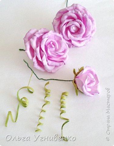 Приветствую всех жителей и гостей прекрасной СТРАНЫ МАСТЕРОВ!!  Предлагаю Вашему вниманию мой небольшой МК по изготовлению розы из фоамирана.  Изрезав не один лист фома, хочу поделиться своими особенностями работы с этим увлекательным материалом. фото 24