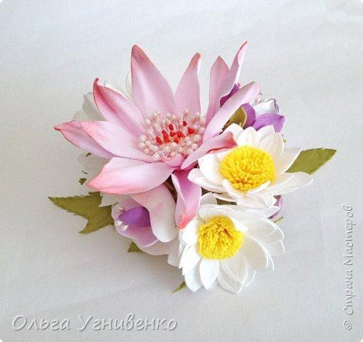 Приветствую всех жителей и гостей прекрасной СТРАНЫ МАСТЕРОВ!!  Предлагаю Вашему вниманию мой небольшой МК по изготовлению розы из фоамирана.  Изрезав не один лист фома, хочу поделиться своими особенностями работы с этим увлекательным материалом. фото 28