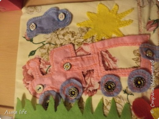 """представляю вашему вниманию книжку- малышку """"Паровозик"""". Шила ее в свой любимый детский сад, где работаю воспитателем. фото 3"""