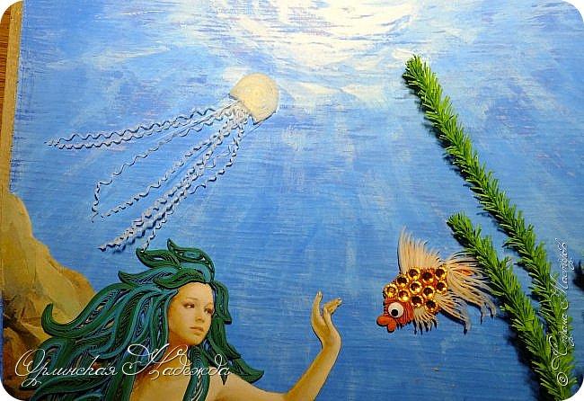 """Добрый вечер, уважаемые жители Страны Мастеров!  Выставляю на Ваш суд очередную работу.  Благодарю Мастеров у которых могла посмотреть и поучиться: Лизу ( azil ) - волосы """" Голубого Ангела """",  Татьяну ( Saphir ) - """" Золотая рыбка """",  Ольгу Ольшак - жемчужина и красные кораллы,  Елену ( Дама-кусудама ) - морские водоросли и губки.     Рыбка, рыбка помоги, золотая сделай милость...  Загадывайте желания!!! фото 16"""