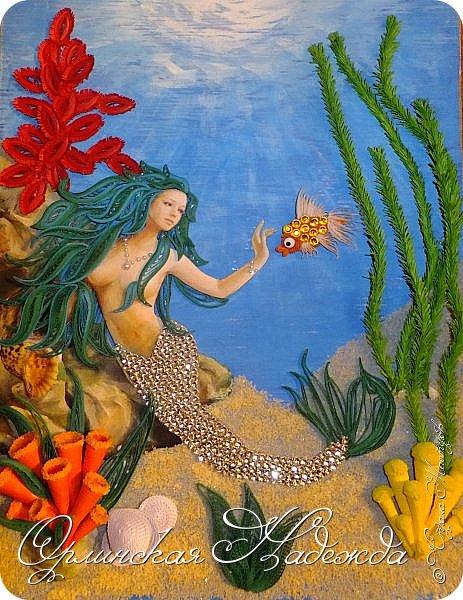 """Добрый вечер, уважаемые жители Страны Мастеров!  Выставляю на Ваш суд очередную работу.  Благодарю Мастеров у которых могла посмотреть и поучиться: Лизу ( azil ) - волосы """" Голубого Ангела """",  Татьяну ( Saphir ) - """" Золотая рыбка """",  Ольгу Ольшак - жемчужина и красные кораллы,  Елену ( Дама-кусудама ) - морские водоросли и губки.     Рыбка, рыбка помоги, золотая сделай милость...  Загадывайте желания!!! фото 1"""