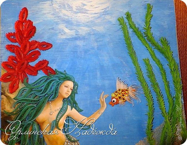 """Добрый вечер, уважаемые жители Страны Мастеров!  Выставляю на Ваш суд очередную работу.  Благодарю Мастеров у которых могла посмотреть и поучиться: Лизу ( azil ) - волосы """" Голубого Ангела """",  Татьяну ( Saphir ) - """" Золотая рыбка """",  Ольгу Ольшак - жемчужина и красные кораллы,  Елену ( Дама-кусудама ) - морские водоросли и губки.     Рыбка, рыбка помоги, золотая сделай милость...  Загадывайте желания!!! фото 17"""