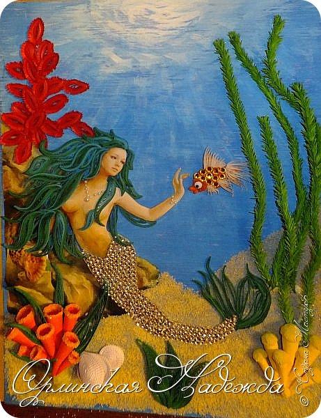 """Добрый вечер, уважаемые жители Страны Мастеров!  Выставляю на Ваш суд очередную работу.  Благодарю Мастеров у которых могла посмотреть и поучиться: Лизу ( azil ) - волосы """" Голубого Ангела """",  Татьяну ( Saphir ) - """" Золотая рыбка """",  Ольгу Ольшак - жемчужина и красные кораллы,  Елену ( Дама-кусудама ) - морские водоросли и губки.     Рыбка, рыбка помоги, золотая сделай милость...  Загадывайте желания!!! фото 24"""