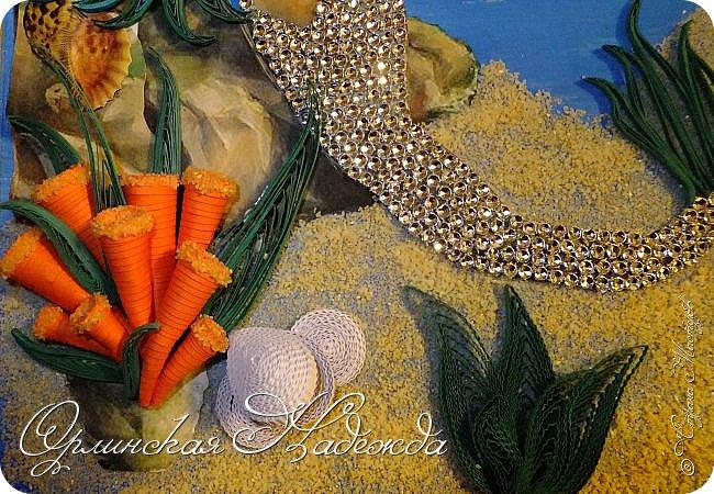 """Добрый вечер, уважаемые жители Страны Мастеров!  Выставляю на Ваш суд очередную работу.  Благодарю Мастеров у которых могла посмотреть и поучиться: Лизу ( azil ) - волосы """" Голубого Ангела """",  Татьяну ( Saphir ) - """" Золотая рыбка """",  Ольгу Ольшак - жемчужина и красные кораллы,  Елену ( Дама-кусудама ) - морские водоросли и губки.     Рыбка, рыбка помоги, золотая сделай милость...  Загадывайте желания!!! фото 20"""