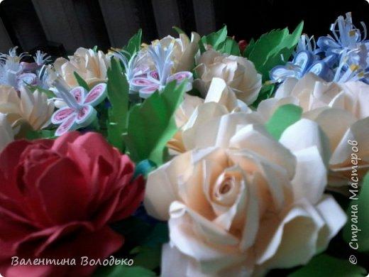 Добрый день мастера и мастерицы Страны Мастеров!!!!Давно не занималась квиллингом,а здесь дочка попросила сделать панно с розами.Похожее я уже делала,но заказ есть заказ!!! фото 4