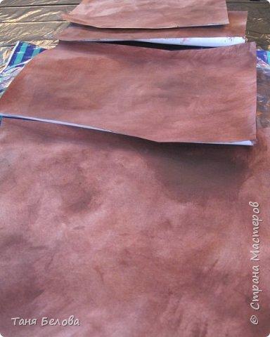 """Привет, уважаемые жители Страны!  Предлагаю вам украсить коробочку для специй или любую другую вещицу с помощью имитации жатой кожи.  Нам понадобится несколько листов (зависит от размера декорируемого предмета) обычной офисной бумаги, краска цвета будущей """"кожи"""", акриловый лак. фото 2"""