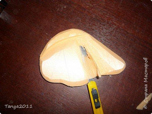 Добрый день! Я опять с пеноплексом. Сегодня - форма слон-подставка. Прошу прощения за фотографии - делала ночью. Сначала будем вырезать форму слона. Нам понадобится пеноплекс толщиной 5 см, 4 см, 2 см. Я использовала остатки 4 и 2 см листов. Вырезаем ножом для бумаги (желательно запастись  запасными лезвиями), затираем наждачкой (у меня н-5). Высота моего слона - 35 см. фото 36