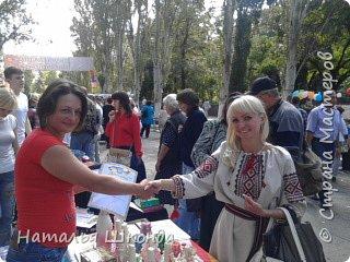 В городе Артёмовск, Донецкой обл. проходила ярмарка -выставка изделий ручной работы,где я принимала участие.На выставке были выставлены свечи резные, бутылки с декупажем, шкатулки. фото 5