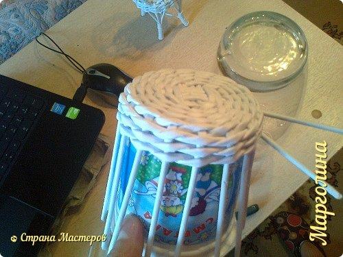Кукольная жизнь Мастер-класс Поделка изделие Плетение Кукольная плетеная мебель выпуск первый Бумага Трубочки бумажные фото 8