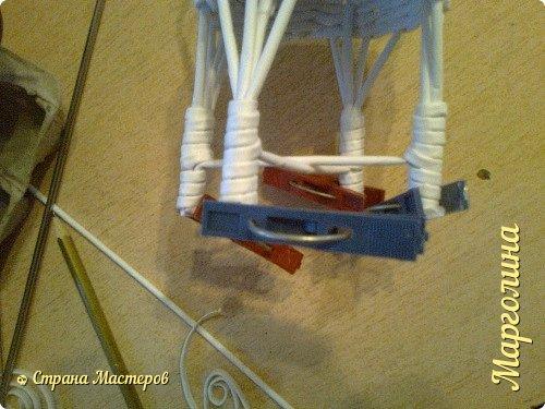 Кукольная жизнь Мастер-класс Поделка изделие Плетение Кукольная плетеная мебель выпуск первый Бумага Трубочки бумажные фото 25