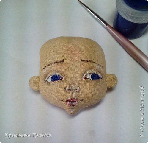 Здравствуйте! Вот собралась я с силами и сделала мастер-класс по созданию текстильной куклы. Надеюсь вам будет интересно. Материалы для работы: Ткань. Синтепух. Нитки. Краски акриловые. Кисть тонкая. фото 8