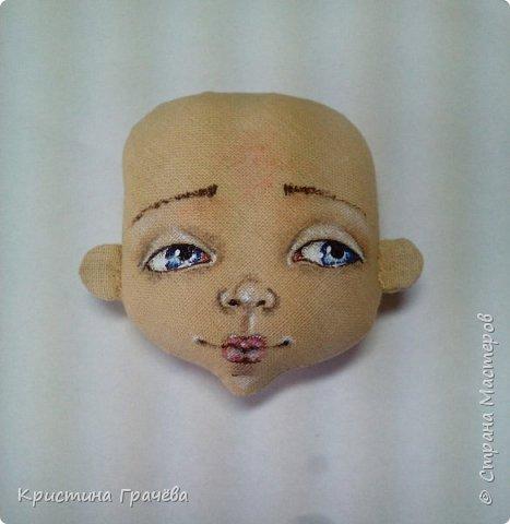 Здравствуйте! Вот собралась я с силами и сделала мастер-класс по созданию текстильной куклы. Надеюсь вам будет интересно. Материалы для работы: Ткань. Синтепух. Нитки. Краски акриловые. Кисть тонкая. фото 9